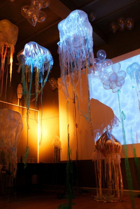 2009, Galore, Jellyfish, organza, yarn, balloons, helium