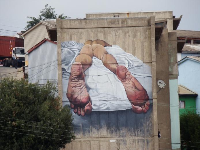 Hobre pesado, acrylic on concrete, 9 x 12 m. Valparaiso, 2018